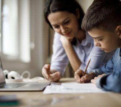 Identify the best between Freelance tutors, tutoring companies, and online tutoring